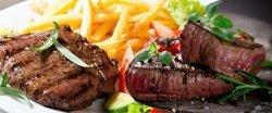 2x hovězí steaky s omáčkou a přílohou v restauraci Ekvador v centru Brna